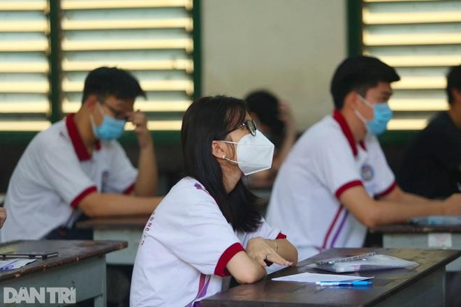 Điểm chuẩn ĐH Bách khoa, ĐH Khoa học tự nhiên TPHCM, ngành cao nhất là 28 - 1