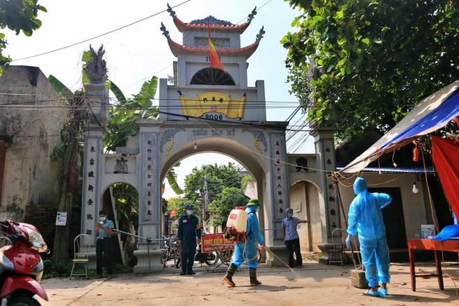 Hà Nội: Phát hiện nhiều F0, huyện Chương Mỹ cách ly hơn 9.300 người