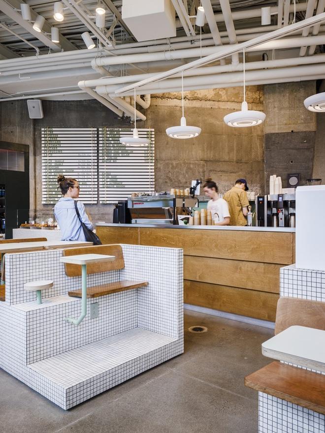 Thiết kế độc lạ giúp quán cà phê hút khách và tiết kiệm điện năng - 7