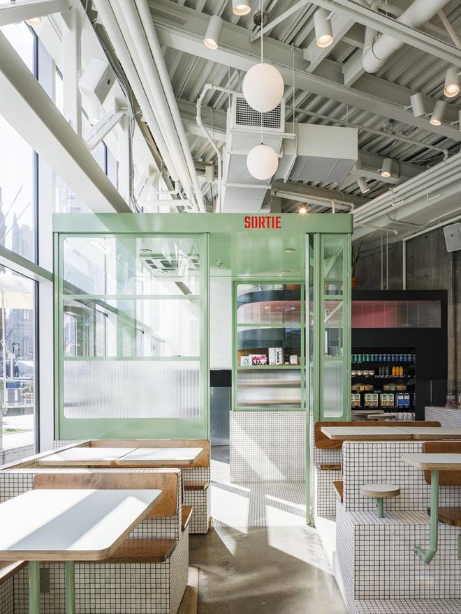 Thiết kế độc lạ giúp quán cà phê hút khách và tiết kiệm điện năng - 10