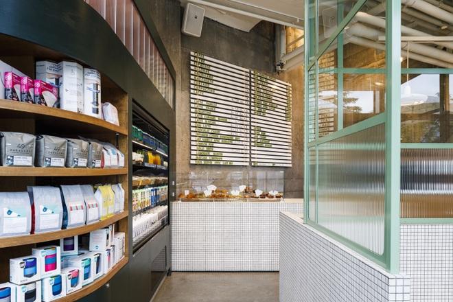 Thiết kế độc lạ giúp quán cà phê hút khách và tiết kiệm điện năng - 12