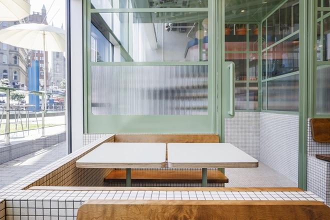 Thiết kế độc lạ giúp quán cà phê hút khách và tiết kiệm điện năng - 5