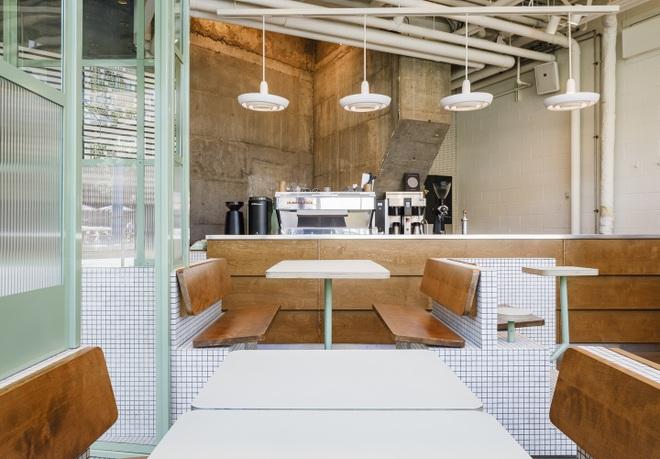 Thiết kế độc lạ giúp quán cà phê hút khách và tiết kiệm điện năng - 6