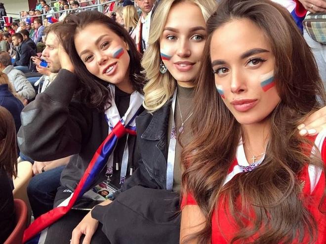 Những quốc gia sở hữu các nữ cổ động viên bóng đá gợi cảm nhất - 2