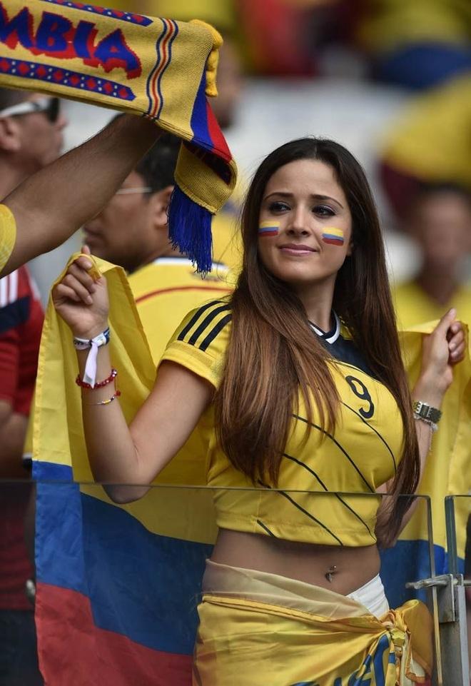 Những quốc gia sở hữu các nữ cổ động viên bóng đá gợi cảm nhất - 3