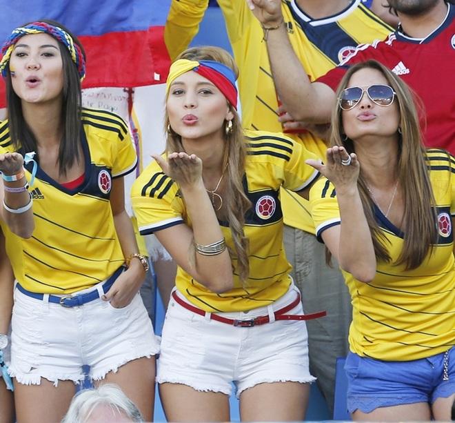 Những quốc gia sở hữu các nữ cổ động viên bóng đá gợi cảm nhất - 4