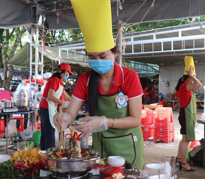 The secret to creating a specialty of U Minh forest fish sauce hot pot - 4