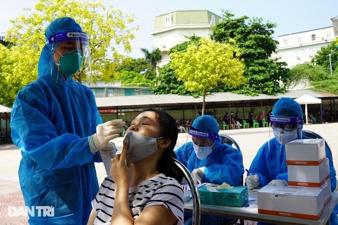 Bản tin Covid-19: Hơn 14.000 bệnh nhân ra viện, ca tử vong đã giảm ở TPHCM - 1