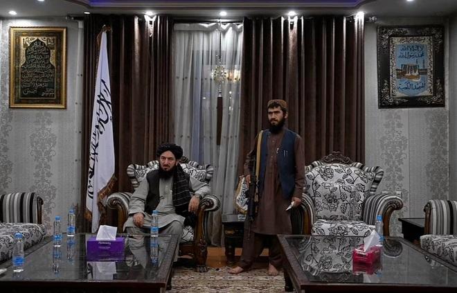 150 tay súng Taliban sống trong biệt phủ của cựu phó tổng thống Afghanistan - 3