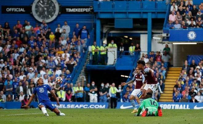 Lukaku ganh đua với Ronaldo, Chelsea vẫn đứng sau Man Utd - 2