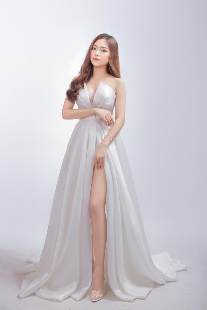 Nữ sinh Nam Định dẫn đầu bảng bình chọn Hoa hậu Hoàn vũ Việt Nam 2021 - 1