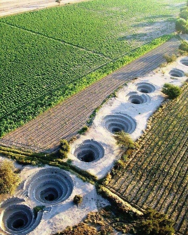 Bí ẩn loạt hố xoắn ốc đắp đá kỳ lạ ở Peru - 1
