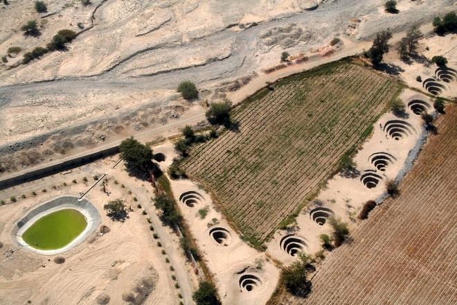 Bí ẩn loạt hố xoắn ốc đắp đá kỳ lạ ở Peru - 5