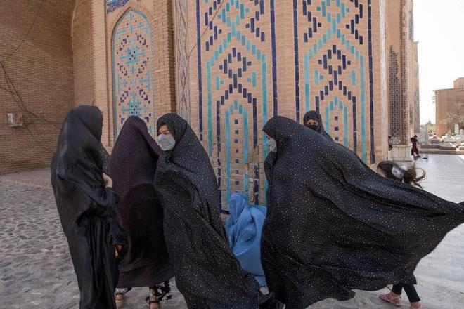 Cuộc sống tại Afghanistan ra sao sau khi Taliban trở lại nắm quyền? - 5