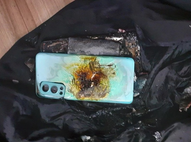 Mới mua hơn 2 tuần, smartphone bất ngờ phát nổ khiến chủ nhân bị thương - 2