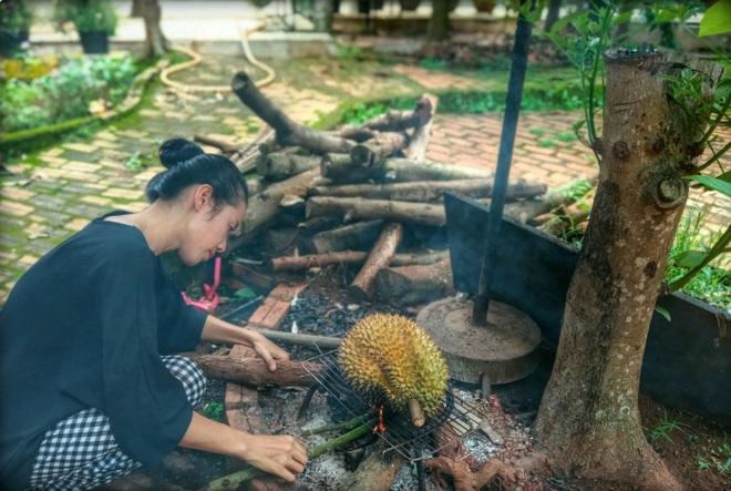 Món sầu riêng nướng thơm nức, lạ miệng ở Đắk Lắk - 1