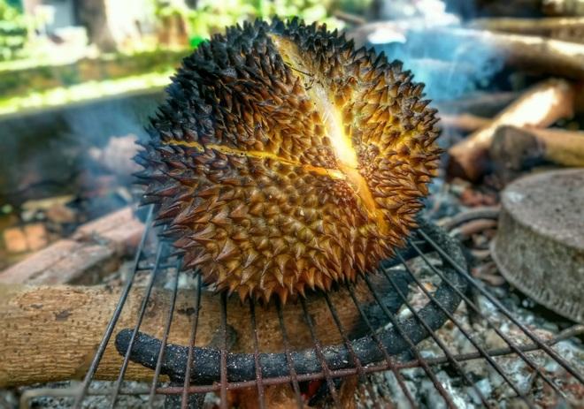 Món sầu riêng nướng thơm nức, lạ miệng ở Đắk Lắk - 2