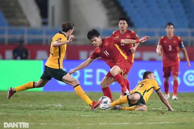 Chuyên gia Indonesia xấu hổ, muốn học tập tuyển Việt Nam trước AFF Cup - 2