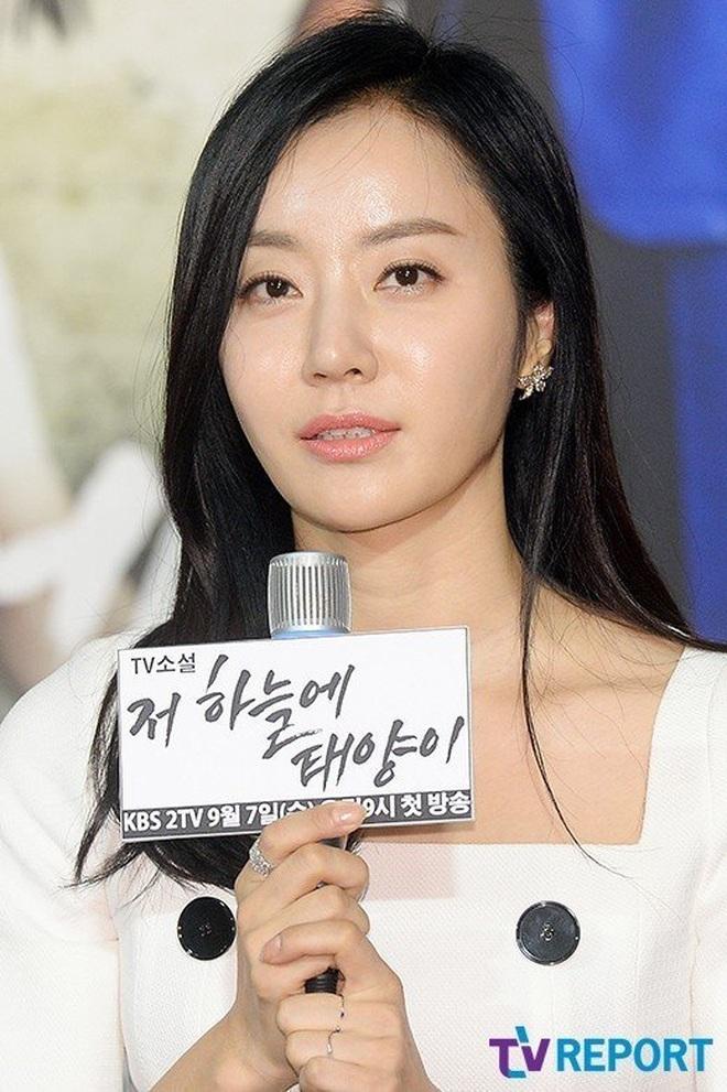 Nhức nhối nạn quấy rối tình dục trong showbiz Hàn Quốc - 2