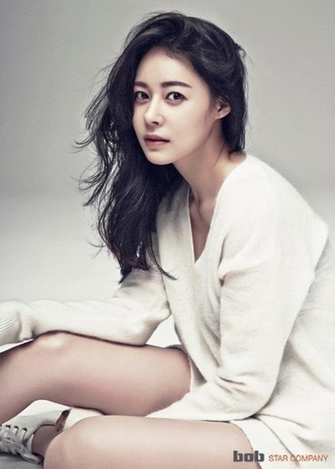Nhức nhối nạn quấy rối tình dục trong showbiz Hàn Quốc - 1