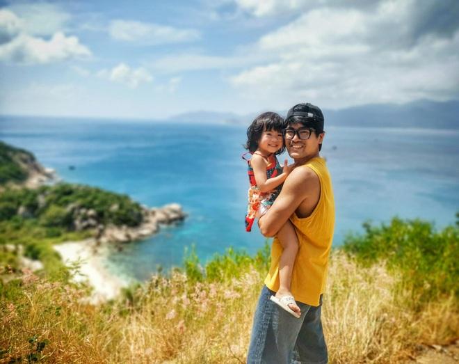 Nữ giáo viên người Hà Nội thuê nhà và dành tiền đưa con đi du lịch - 1