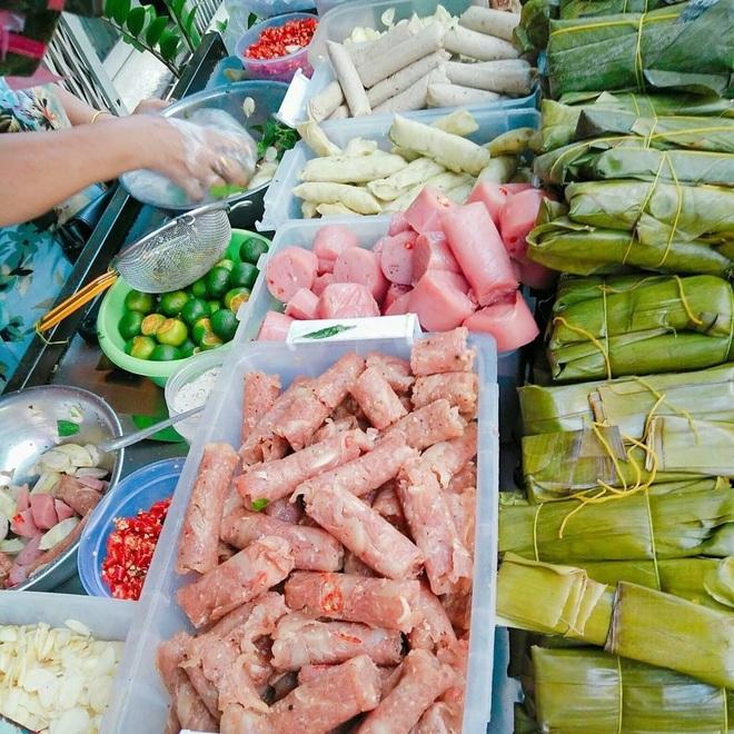 Món ăn rẻ bèo gốc miền Trung được cải biến làm mưa làm gió ở Sài Gòn - 2