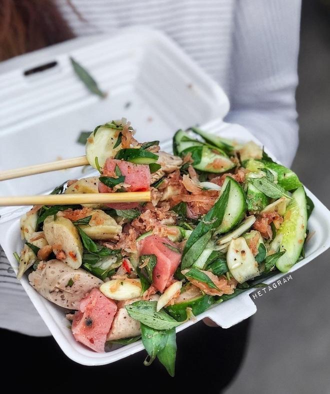 Món ăn rẻ bèo gốc miền Trung được cải biến làm mưa làm gió ở Sài Gòn - 6