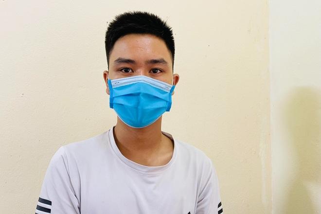 Đối tượng bị truy nã hiện nguyên hình khi khai báo y tế - 1