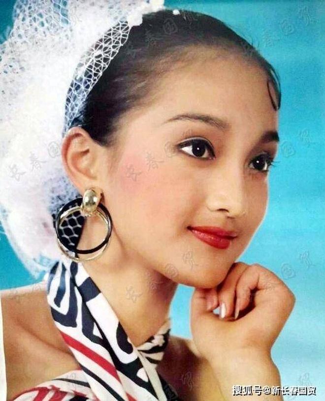 Vẻ đẹp gây choáng ngợp của Châu Tấn ở tuổi đôi mươi - 10