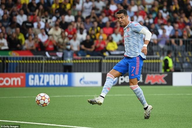 Ghi bàn cho Man Utd, C.Ronaldo đi vào lịch sử Champions League - 2