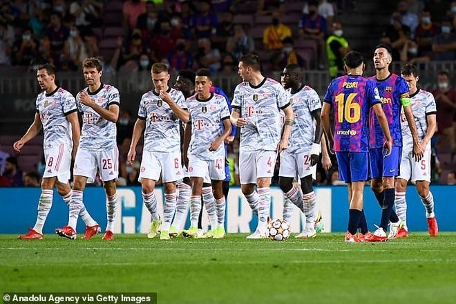 Muller và Lewandowski tỏa sáng, Bayern Munich thắng đậm Barcelona - 6