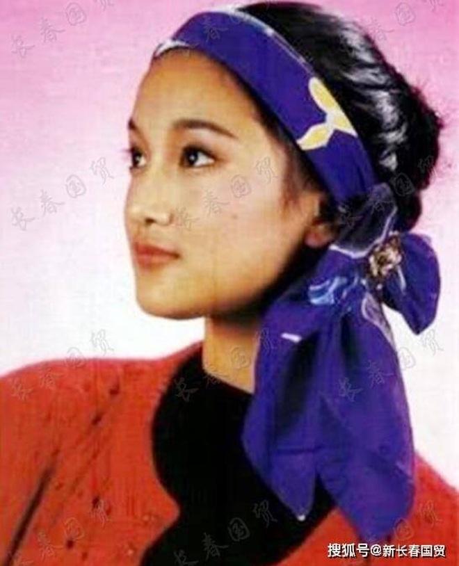 Vẻ đẹp gây choáng ngợp của Châu Tấn ở tuổi đôi mươi - 5