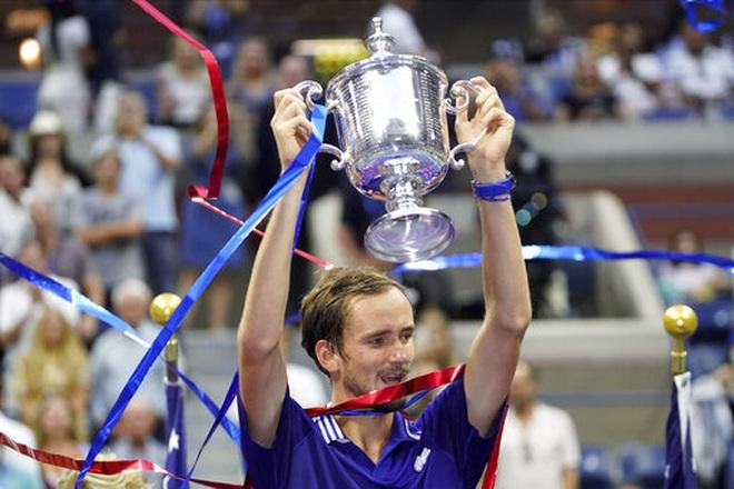 Tiết lộ nguyên nhân Medvedev thắng áp đảo Djokovic ở chung kết US Open - 1