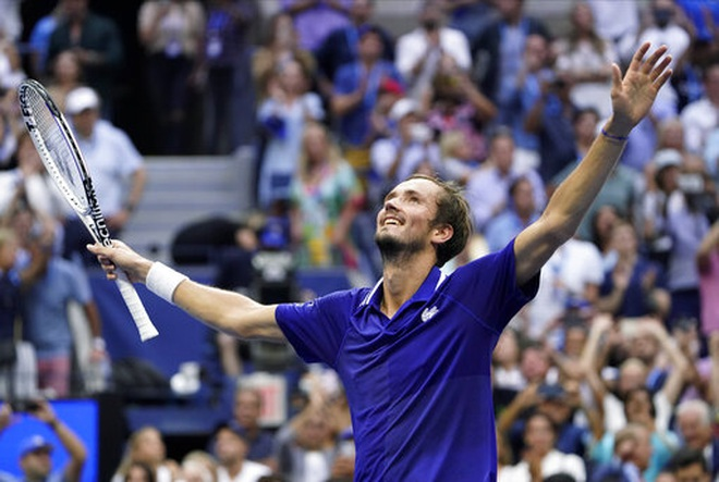Tiết lộ nguyên nhân Medvedev thắng áp đảo Djokovic ở chung kết US Open - 2