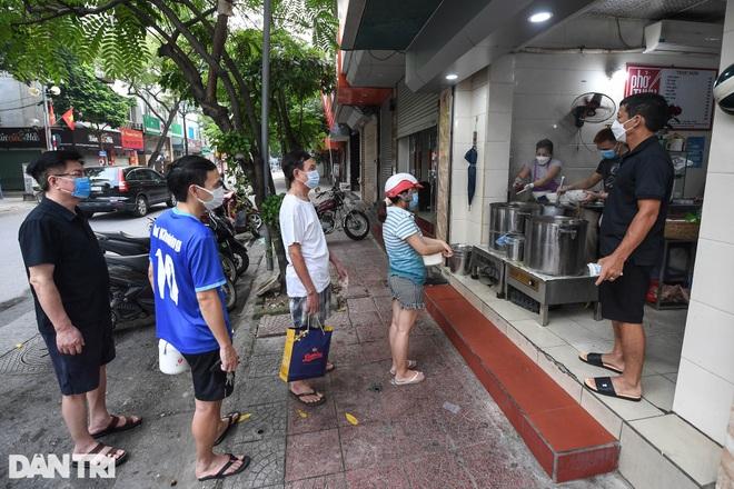 Hà Nội: Danh sách 19 quận huyện có thể mở hàng quán từ 16/9 - 1