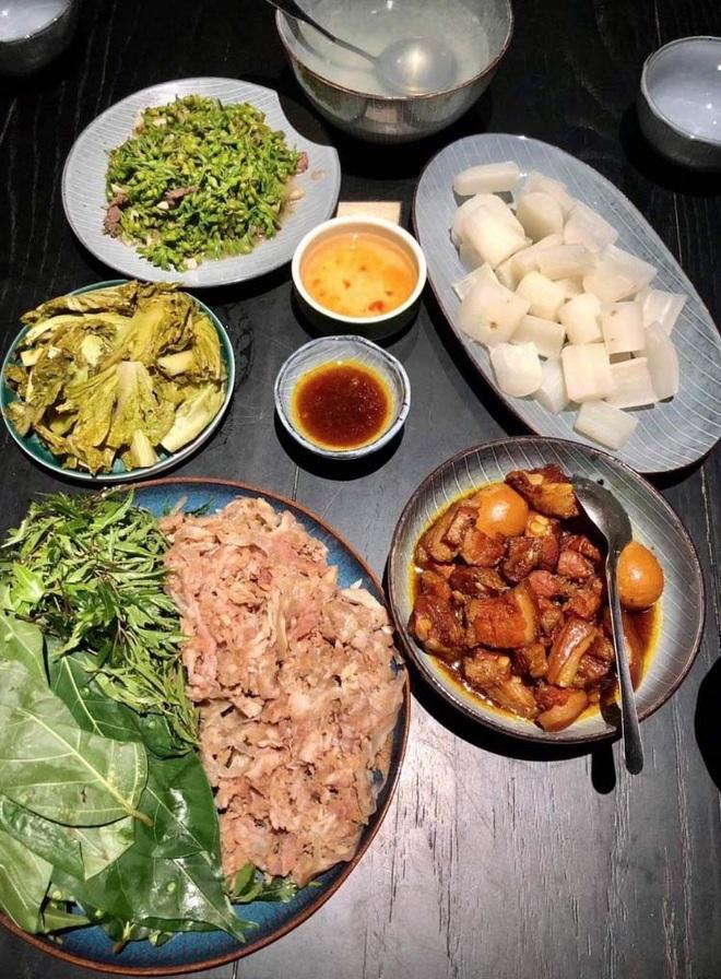 Nam Định: Nổi tiếng đặc sản chỉ nhúng nước sôi một lần, bên trong vẫn còn đỏ rau ráu ăn vào ngọt, ngon - 1