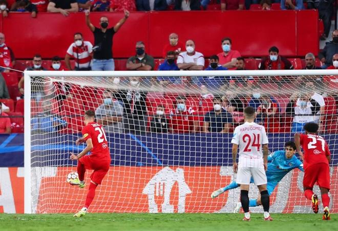 Kỷ lục mới ở Champions League: 4 quả phạt đền chỉ trong 42 phút - 2