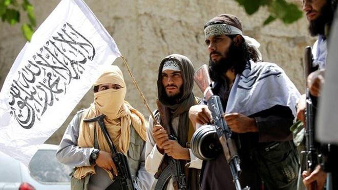 Taliban điều tra tài khoản ngân hàng của quan chức chính quyền cũ - 1