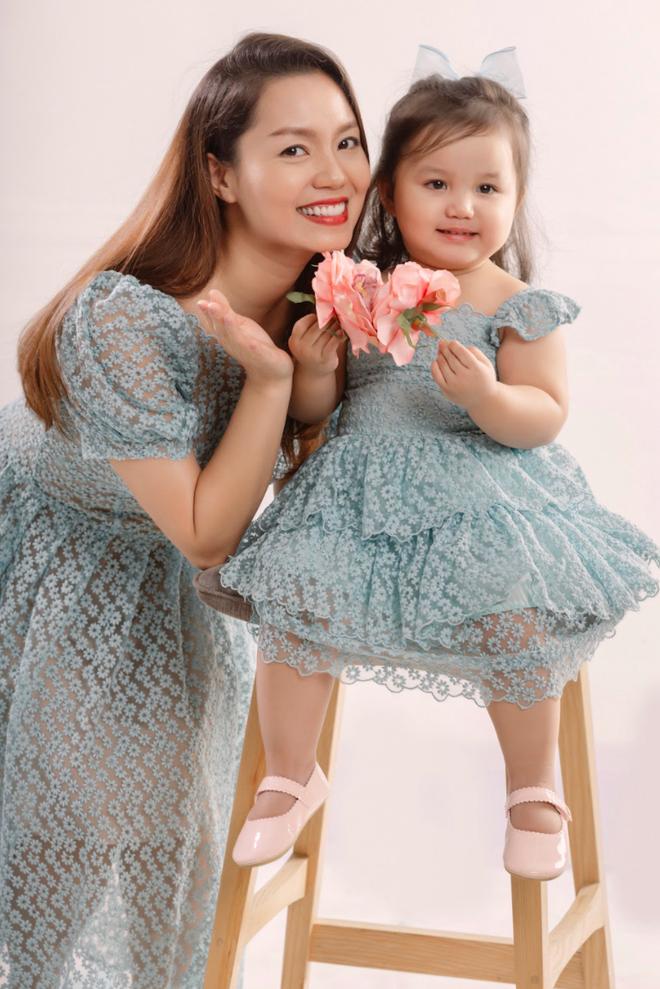Nguyễn Ngọc Anh và ông xã ra mắt ca khúc mừng sinh nhật con gái 2 tuổi - 1