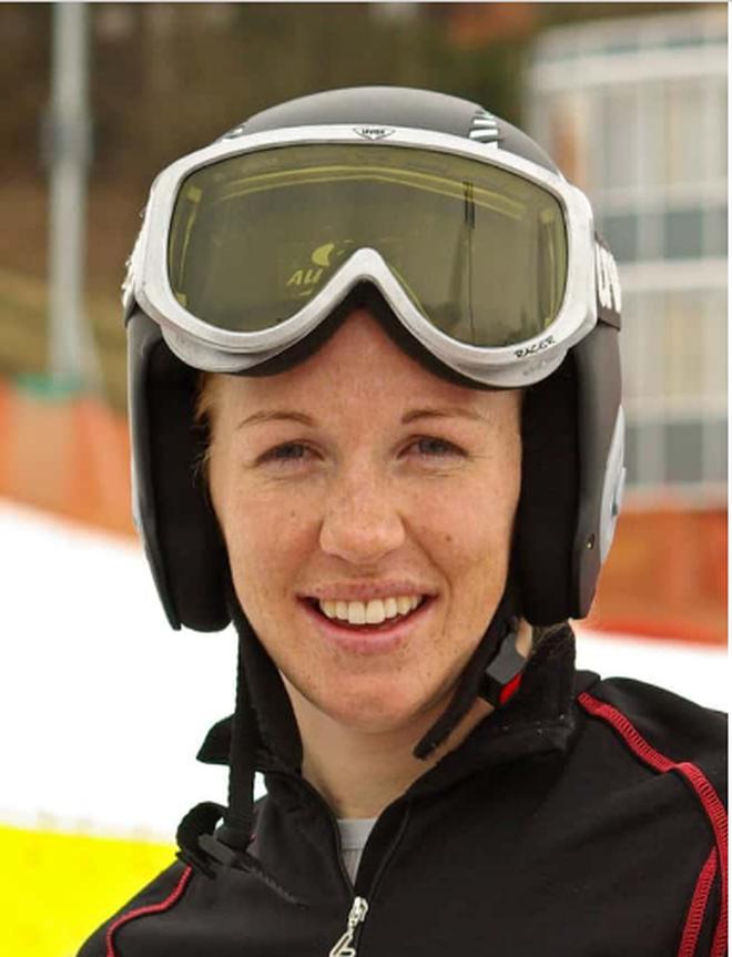 Những ngôi sao xinh đẹp của làng trượt tuyết thế giới - 7