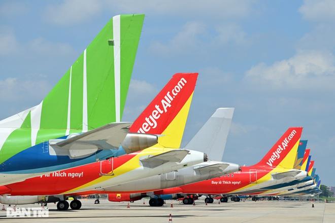 Áp sàn giá vé: 3 hãng bay bảo tích cực, 2 hãng đánh giá tiêu cực - 1