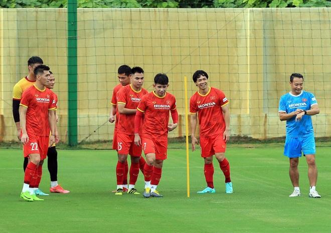 Công Phượng rạng rỡ trong ngày tái xuất ở đội tuyển Việt Nam - 1