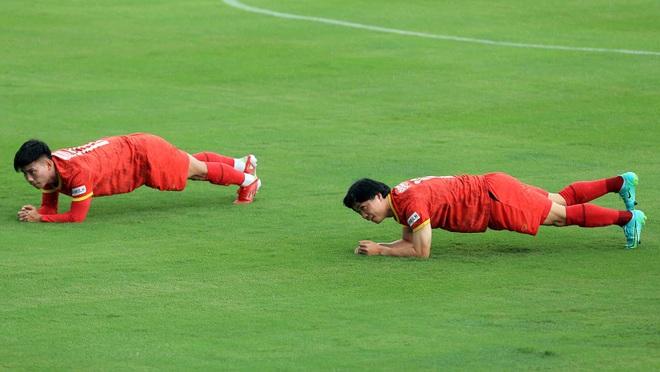 Công Phượng rạng rỡ trong ngày tái xuất ở đội tuyển Việt Nam - 2