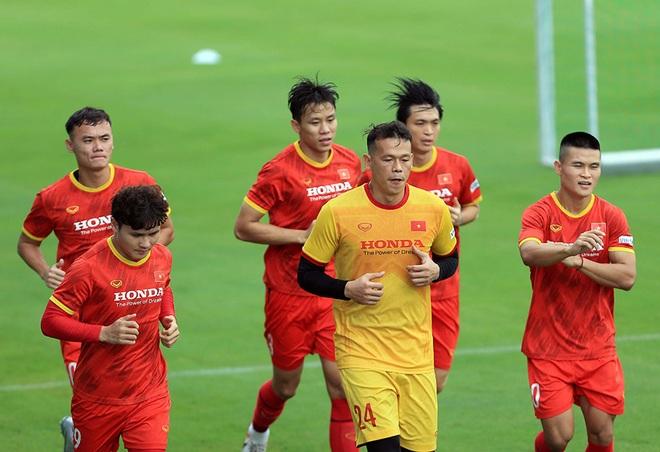 Công Phượng rạng rỡ trong ngày tái xuất ở đội tuyển Việt Nam - 6