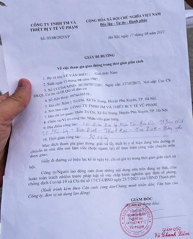 Thủ đoạn chở khách từ Hà Nội qua 7 tỉnh chỉ với giấy đi đường vật tư y tế - 6