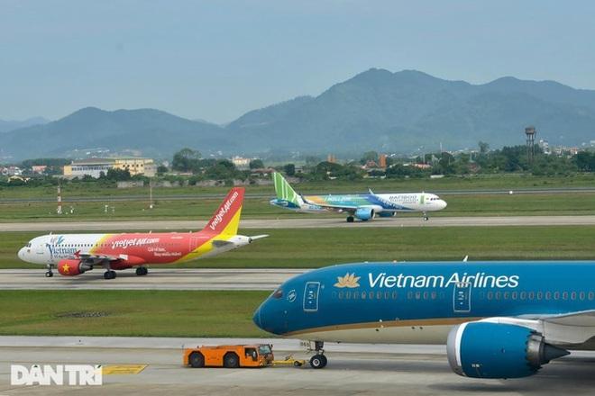 Áp sàn giá vé máy bay đánh thẳng vào 70% khách du lịch? - 1
