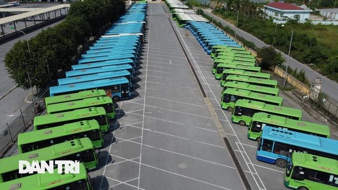 Hà Nội lên phương án cho xe buýt, xe khách liên tỉnh hoạt động trở lại - 1