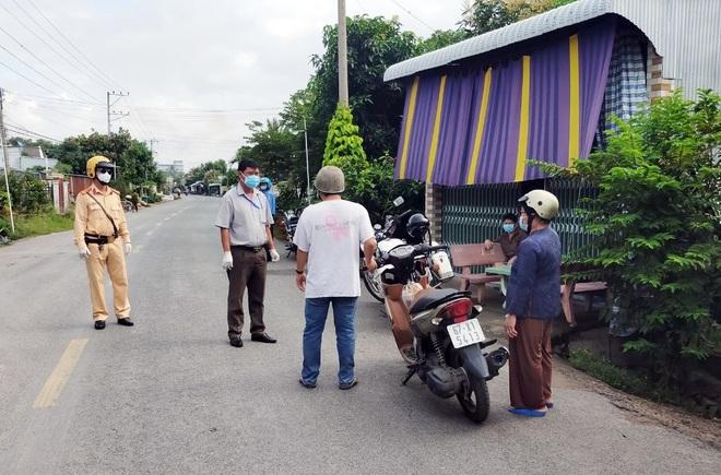 Cận cảnh công tác chống dịch tại địa phương bị Thủ tướng điểm danh - 3