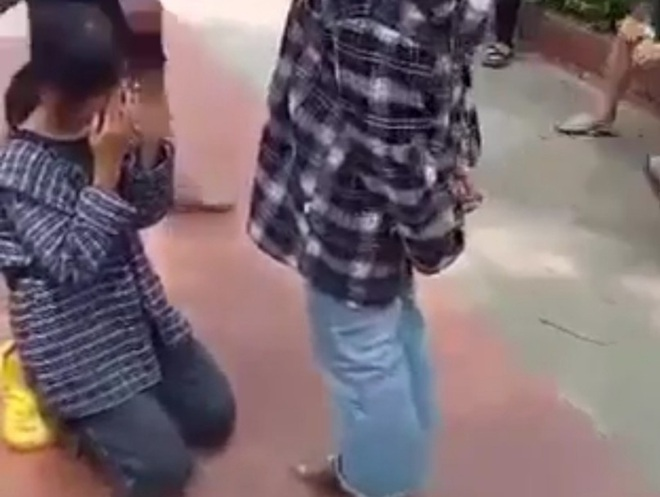 Vụ nữ sinh Thanh Hóa bị bắt quỳ gối ở sân trường: Gia đình đã xin lỗi nhau - 1