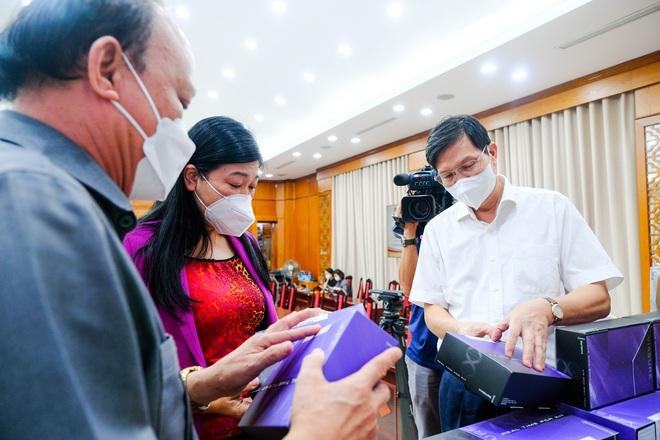 TT Group trao một triệu kit xét nghiệm PCR trị giá 162 tỷ đồng cho TP Hà Nội - 2